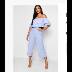 Boohoo baby blue pants & crop set